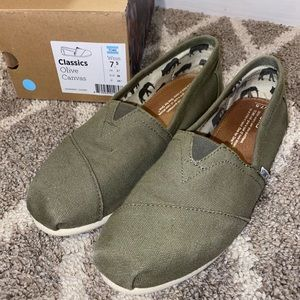 Classic Olive Canvas Toms